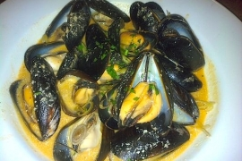 Red Curry PEI Mussels